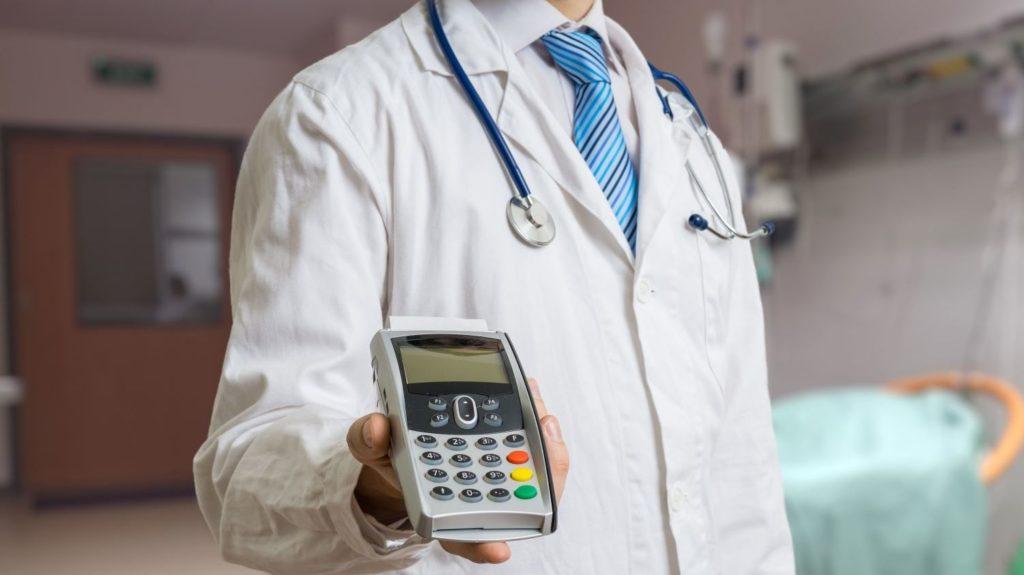 Spesa medica pagata dal figlio, la detrazione non è persa
